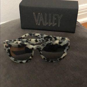 Valley Dead Coffin Club -Snow Leopard sunglasses